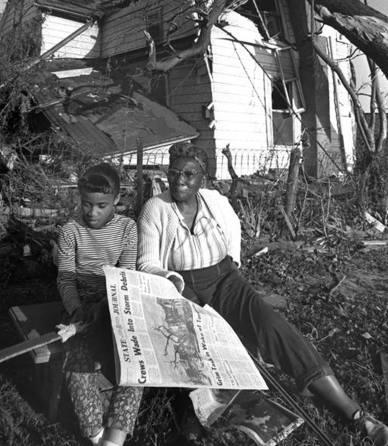 """1966 FILE PHOTOGRAPH/THE CAPITAL-JOURNAL [ var objLink = new myC_Remote.BuyLink(); objLink.LinkContent = """"Buy this Image""""; objLink.IsAboveImage = false; objLink.Render(); ]"""
