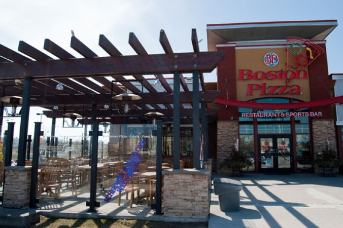 Bring the whole family down to Boston Pizza where you can get a kids meal for free while you enjoy the sunshine.