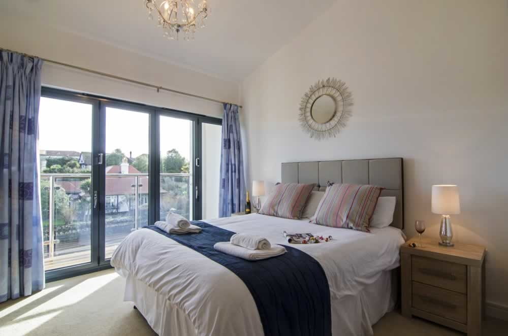 beaches torquay bedroom