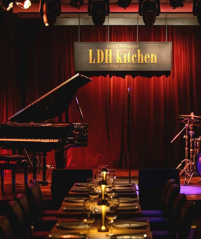 LDH kitchen 去年12月20日に、EXILEの事務所LDHがプロデュースするライブ・レストランが、羽田空港にオープンしました。Toshi Maezawa出演