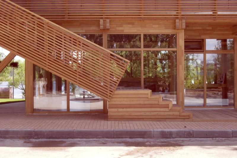 Лестница к раздевалкам. Фотограф - Артем Дежурко.
