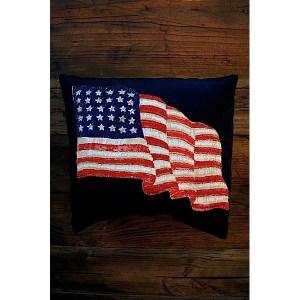 Am-flag-pillow-600x600.JPG