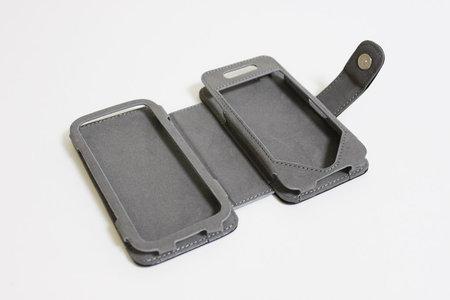 sanko_iphone_minikeyboard_leather_case_6.jpg