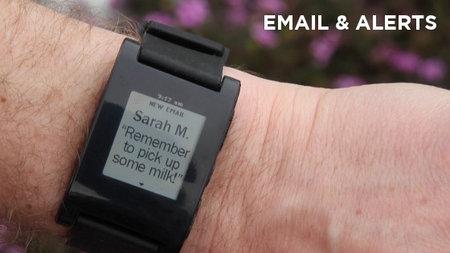 kickstarter_pebble_watch_iphone_1.jpg