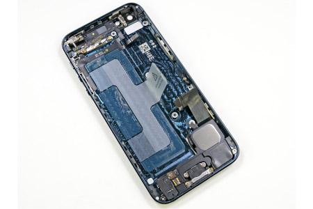 cheaper_iphone_model_2013_1.jpg