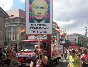Berlin-pride-gay-russia-protest-1