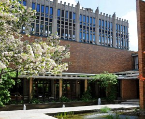 Massey College // School