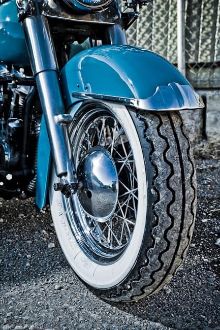 Harley-Davidson-Panhead-tires