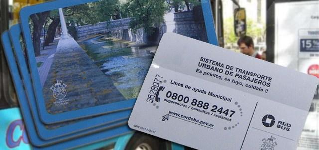 Los colectivos se abonan con las tarjetas RedBus (Foto: Cadena3.com)
