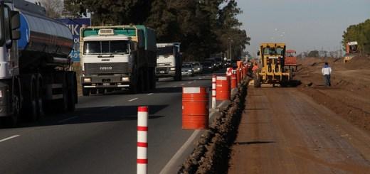 Transito-camiones-construccion-autovia-ruta-9