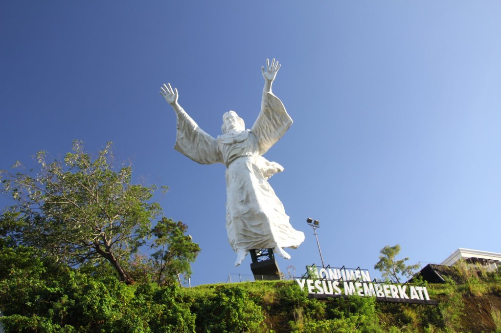 We continue the theme of gigantic statues, with Indonesia's contribution.  A 124m high statue of Jesus, in Manado, Sulawesi.