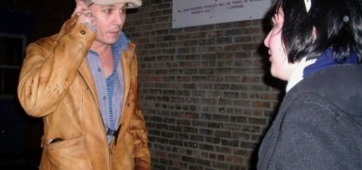 Trashwire's MySpace friend Anne Rakowiecki talks to Johnny Depp on the set of Public Enemies in Chicago