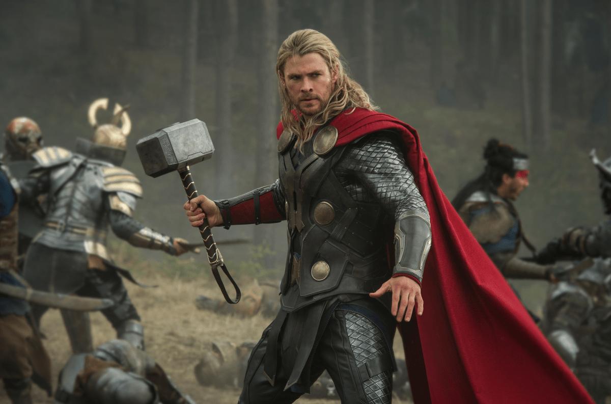 Hiddleston dominates 'Thor: The Dark World'