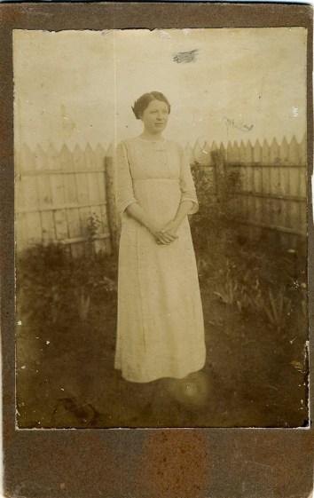 Евгения Петровна Петренко (сестра бабушки). Одесса