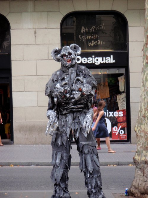 Creative street performers on Las Ramblas
