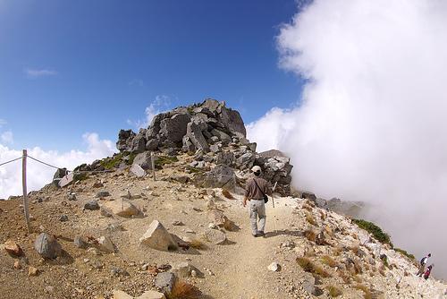 雌阿寒岳には「噴火の兆候は無し」と気象庁は発表していた。北海道民は悲鳴。「雌阿寒岳も噴火するんじゃないか」という声も。