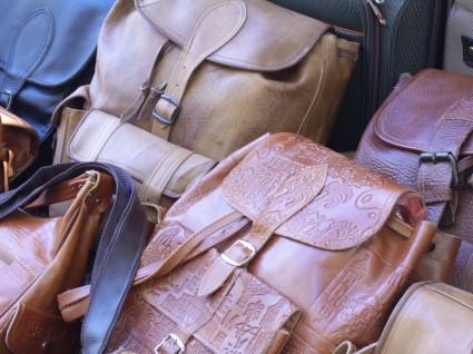 旅行バッグでレディースにおすすめのモノは?旅行に最適な商品3選