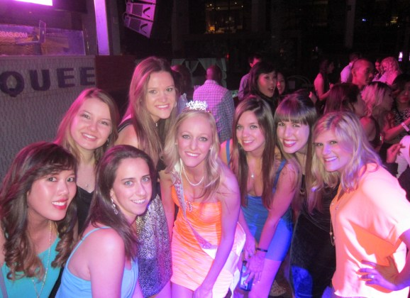 Vegas Guide: How to Plan a Bachelorette (or Birthday) Bash!