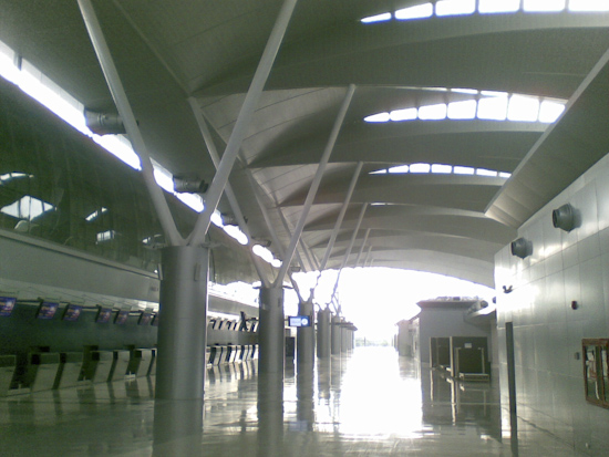 Makkasan Terminal Hall with Check In Desks on left