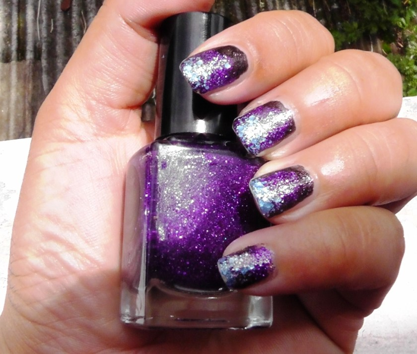 Ombre glitter manicure using Cirque Colors Ophelia, Queen Majesty and Planet Caravan