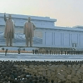 North Korea unveils new Kim-statue.