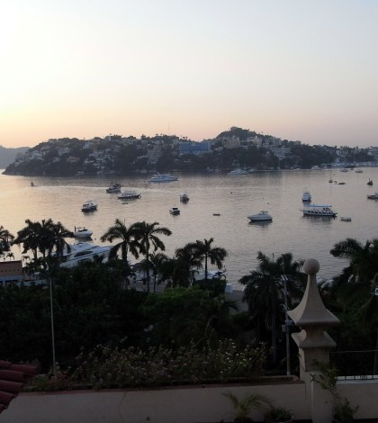 Morning light over Acapulco Bay. Photo: TravelingReporter.com