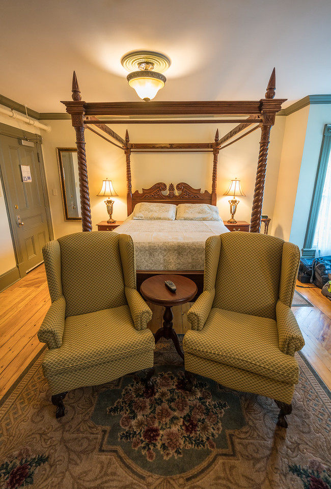 The rooms were opulent at the Bloomdin Inn