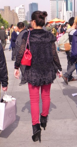 China, Shanghai, The Bund, fashion, costume, woman, lady, fur coat