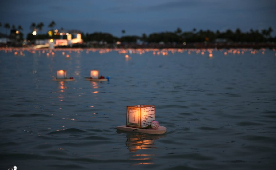 Floating Lantern Ceremony Honolulu Hawaii 2014 -7