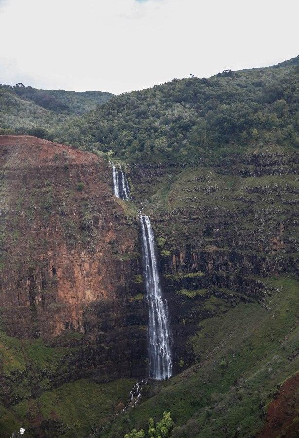 Safari Helicopter Tour Kauai-Mica Ivealis TTE-8