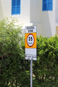 Bermuda-St-Georges-Speed-Sign-TravelXena