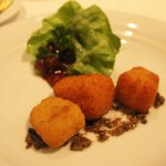 Fried-Brie-Appetizer-Manhattan-Room-TravelXena-1