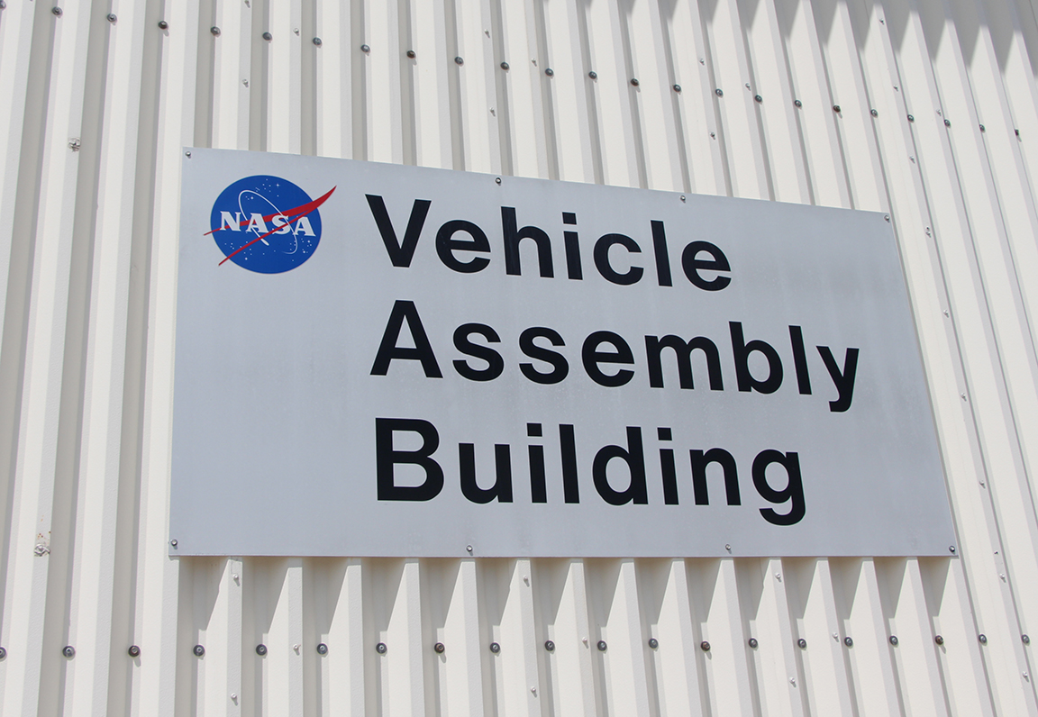 vehicle_assembly_building_vab_nasa_travelxena_2