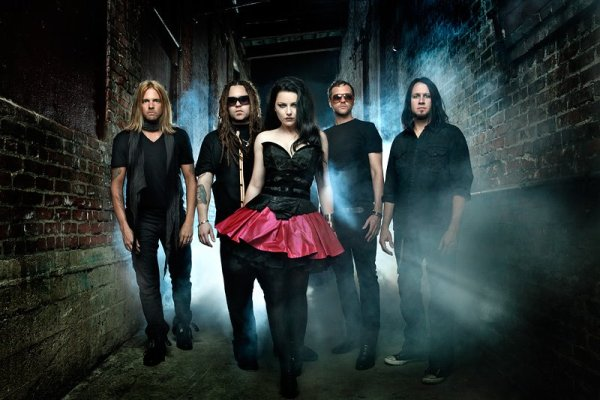 Evanescence Evanescence, Chevelle And Halestorm On 2012 Carnival of Madness Tour