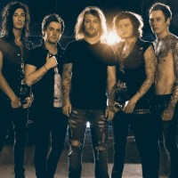 "Asking Alexandria ""Moving On"" Music Video"
