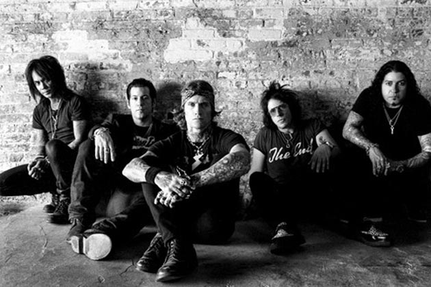 Buckcherry Buckcherry Dreamin of you Music Video