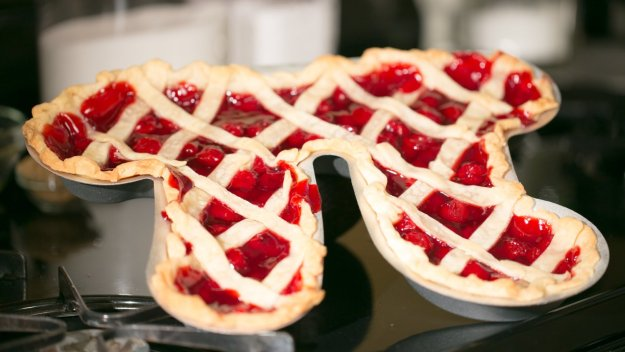 Pi Pie Pan - geeky food ideas