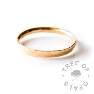 14ct gold textured ring hallmarked Tree of Opals