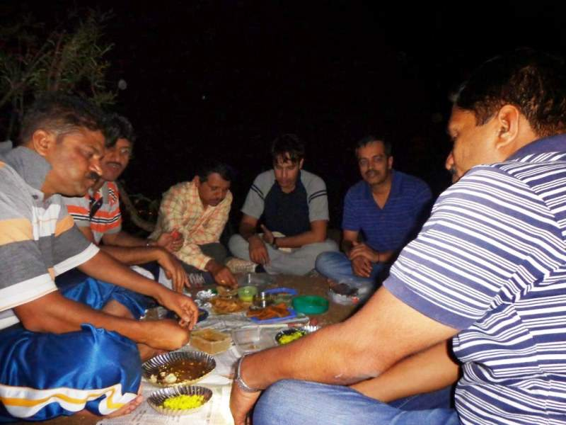 dinner on hill top katraj to sinhagad night trek