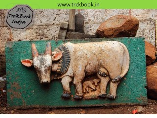 Stone carving kept outside the jarandeshwar temple