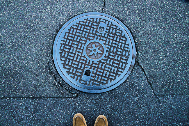 Manholes I saw in Kyoto were largely plain. But they sure had an interesting Shuriken motif