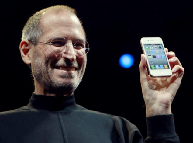 Steve jobs launching iphone 4s