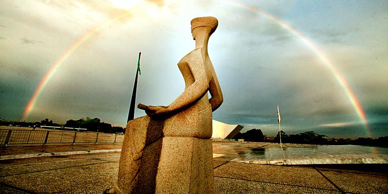 Arco-íris ao entardecer visto da Estátua da Justiça. Foto: Fellipe Sampaio/SCO/STF (06/10/2011)