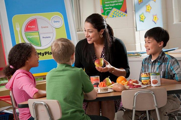 earn money while traveling, Teacher, Teach, Teach English, Teach Overseas, Teach Abroad, Travel Job, Travel Work, TropicsGourmet