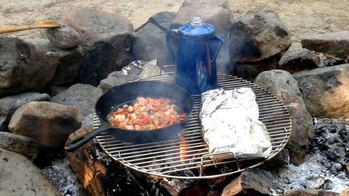 camping, camping recipes, backpack, backpacking, recipes, travel, TropicsGourmet, breakfast, bacon, eggs