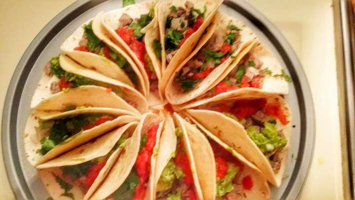 taco pizza, pizza, tacos, tropics, tropicsgourmet, mexico, mexican food