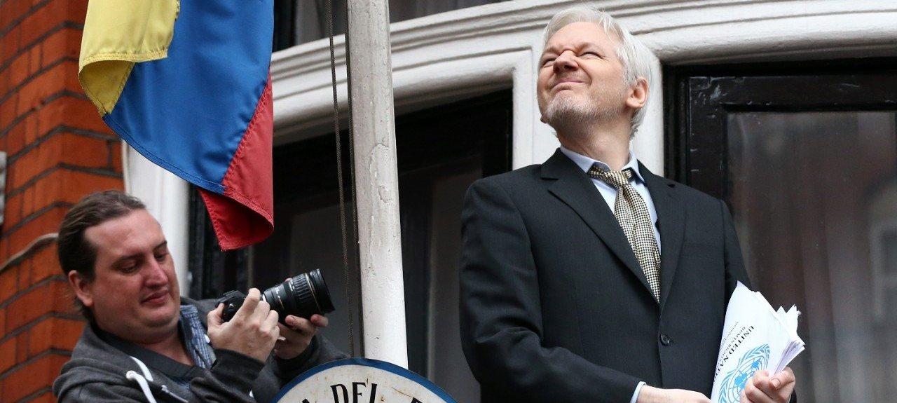 508572690-wikileaks-founder-julian-assange-squints-in-the-jpg-crop-cq5dam_web_1280_1280_jpeg