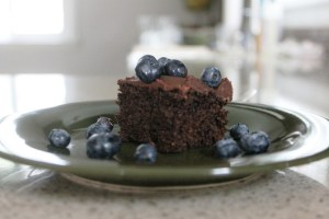 Whole_wheat_Chocolate_Cake_With_Blueberries
