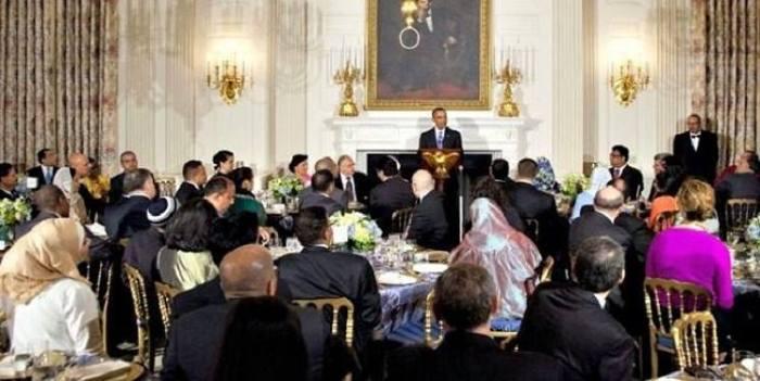 Barack Obama At White House Dinner: 'Koran Teaches Us We Are One Family'