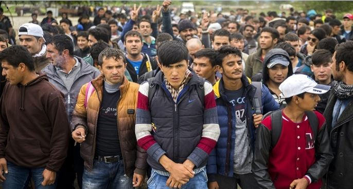 Obama Gave 1 Million Green Cards To Migrants: Less Than 2% Were Christian, The Rest Were…